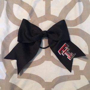Tech black bow